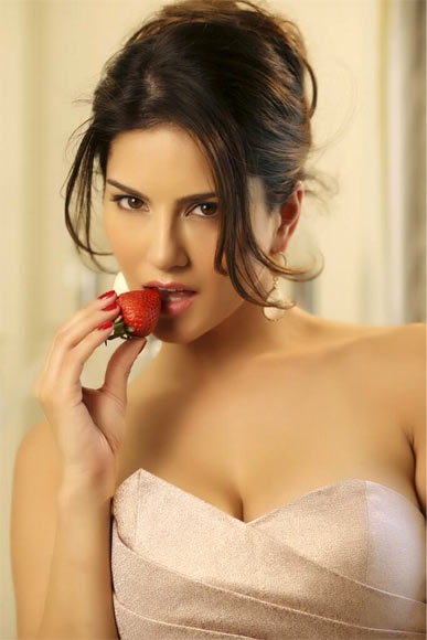 Sunny Leone Hot HD Photos & Pics Free Download
