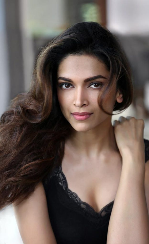 Deepika Padukone Hot HD Images and Wallpaper Download Free
