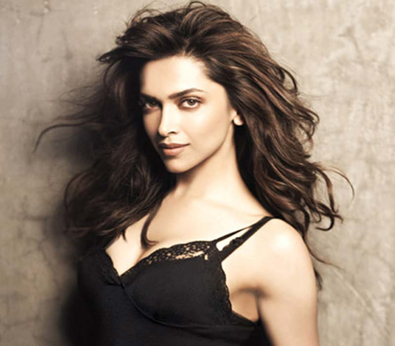 Deepika Padukone Hot HD Photos and Pics Download Free